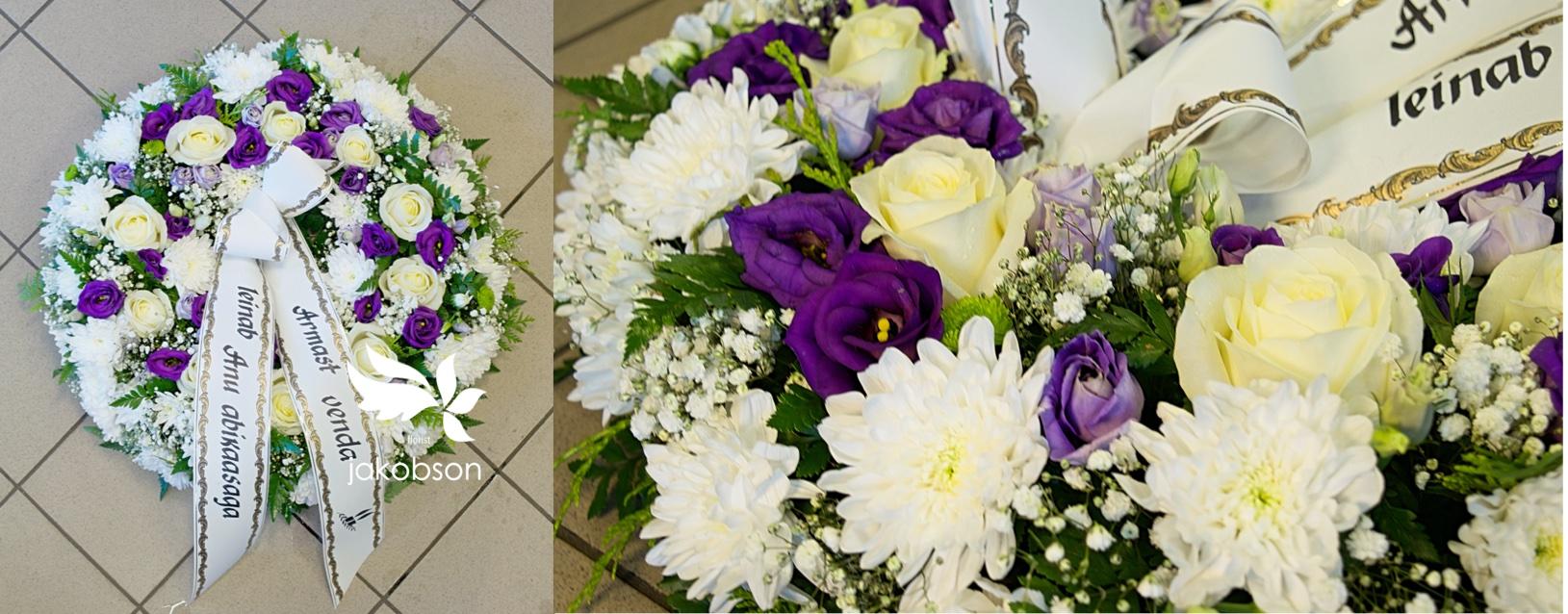 Похоронный венок 1 - Полный цветов венок.
